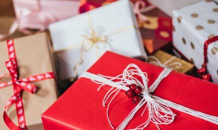 Jak wybrać prezent świąteczny dla Niej?