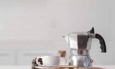Jak wybrać najlepszą kawiarkę na indukcję?