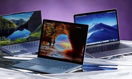 Jaki laptop kupić – poradnik 2021. Najważniejsze informacje