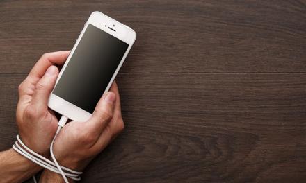 Uzależniony od smartfona? To nie wina wyskakujących powiadomień