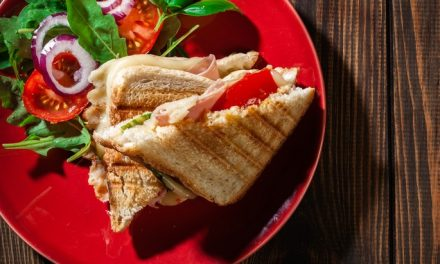 Opiekacz do kanapek – jak wybrać?