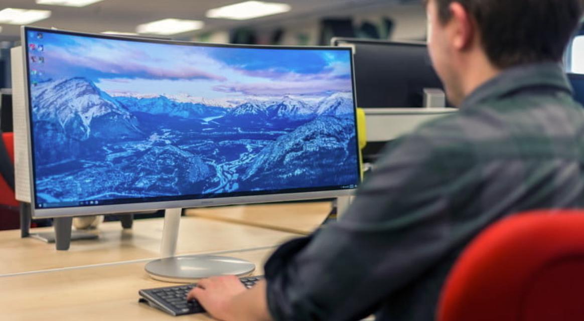 Jaki monitor wybrać – poradnik kupującego na 2021