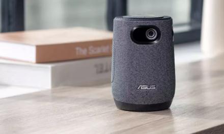 Mini projektor Asus Latte L1 o wielkości kubka