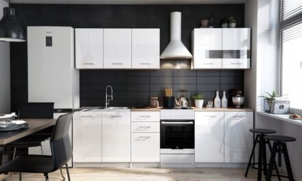 Urządzanie nowej kuchni w średnim koszcie – poradnik