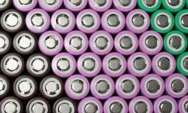 Baterie litowo-jonowe tanieją z roku na rok