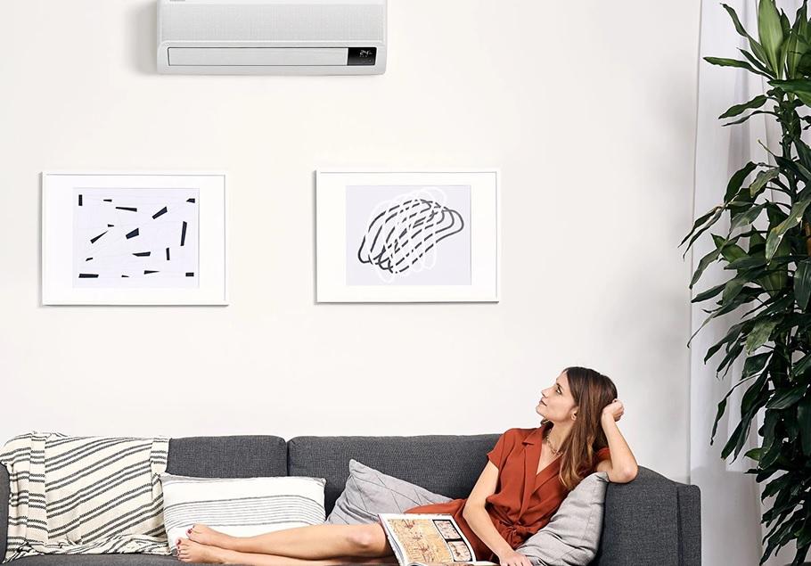Na obrazku przedstawiona została Klimatyzacja split Samsung Wind-Free Elite w kolorze białym.