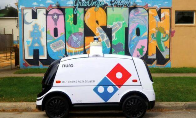 W Domino's pizzę dostarczy samochód autonomiczny
