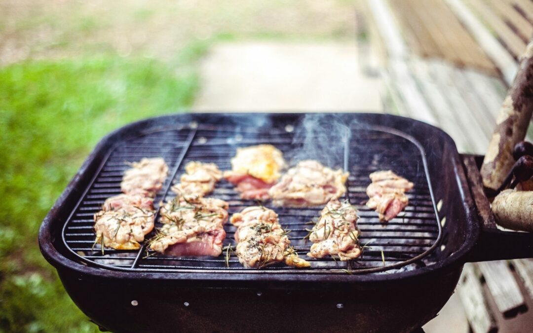 Grill węglowy czy gazowy, kamado czy wędzarnia? Jak grill wpływa na smak?