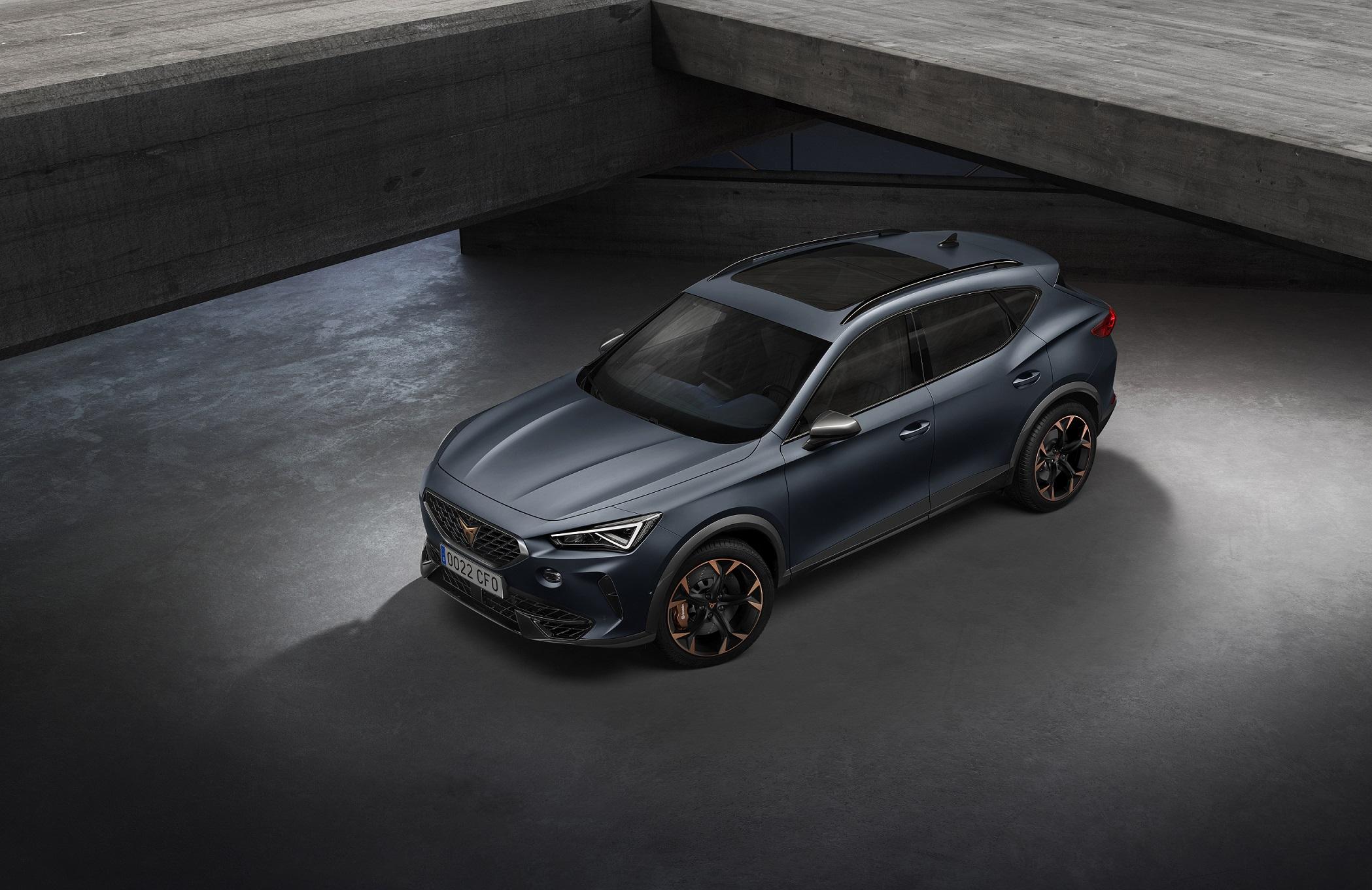 Na obrazku znajduje się model będący propozycją auta daily - Cupra Formentor.