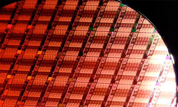 Intel liderem na rynku półprzewodników, AMD jednak nie śpi