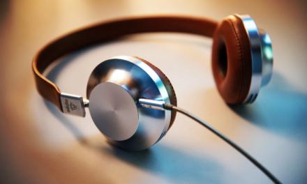 Jakie słuchawki nauszne do 300 zł wybrać? TOP 5 modeli