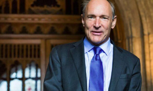 Tim Berners-Lee wystawia na aukcji oryginalny kod źródłowy sieci jako NFT