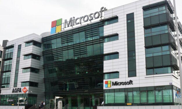Microsoft wypłaci po 1500 dolarów swoim pracownikom. Premia za pracę w czasie pandemii