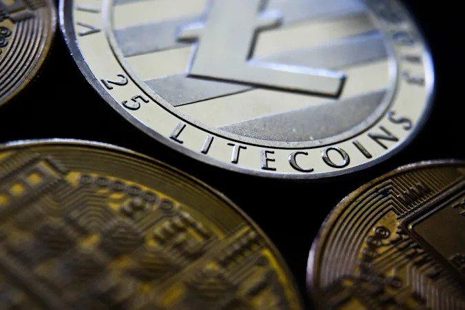 Litecoin zyskał aż 20% na wartości przez fałszywe oświadczenie Walmartu