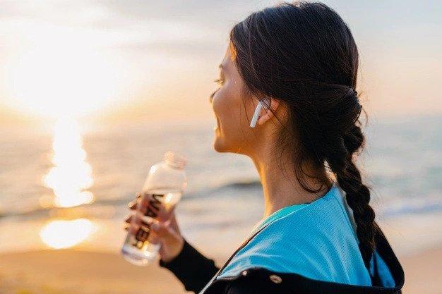 Jakie słuchawki do biegania wybrać? Najlepsze modele do uprawiania sportu
